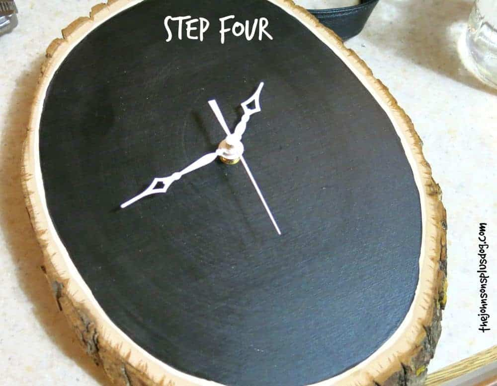 DIY Chalk Board Clock