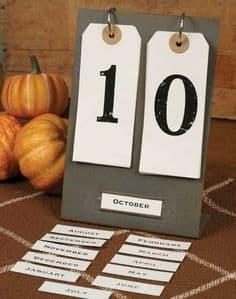 Metal Perpetual Calendar! I love this industrial farmhouse calendar from Farmhouse Refined.