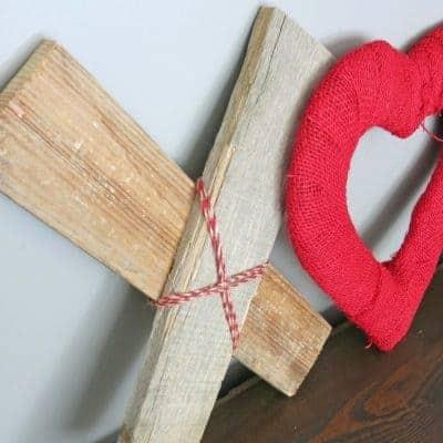DIY XOXO Reclaimed Wood & Hearts Valentine's Day Decor