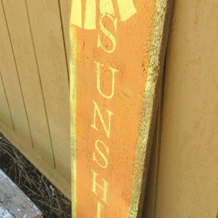 How to Make DIY Hello Sunshine Wood Sign For Spring & Summer
