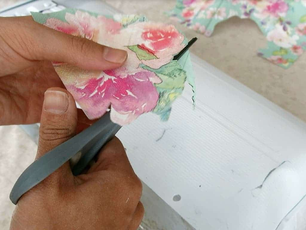 Cutting flowers from floral napkins
