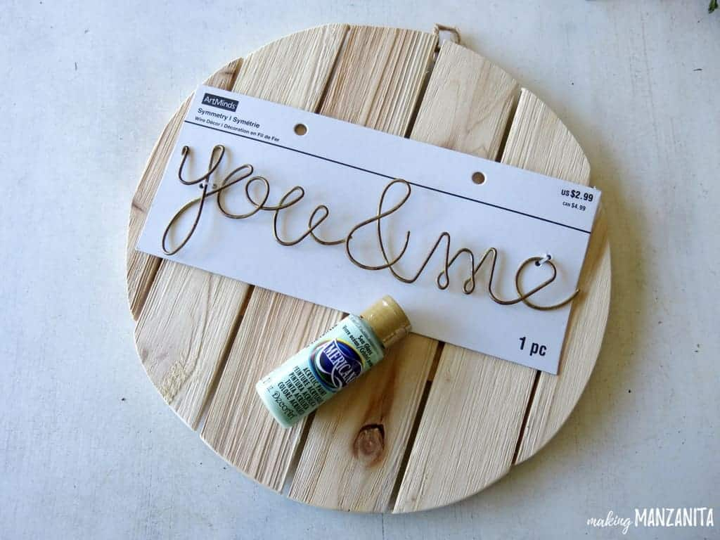 Ombre Painted Wood Sign | Ombre Effect for Painting | Ombre Painting Technique | Ombre Painted Sign | Painting Ombre Style | You & Me Wood Sign | You & Me Circle Wood Sign | Pallet Circle Sign | Ombre Painting | Painting in the ombre style | You & Me Circle Sign