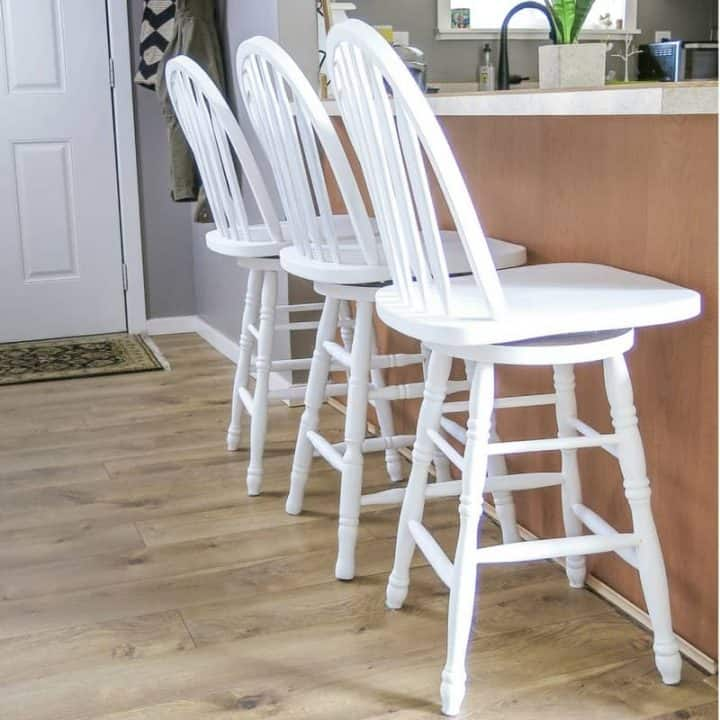 How To Make Chalk Painted Bar Stools