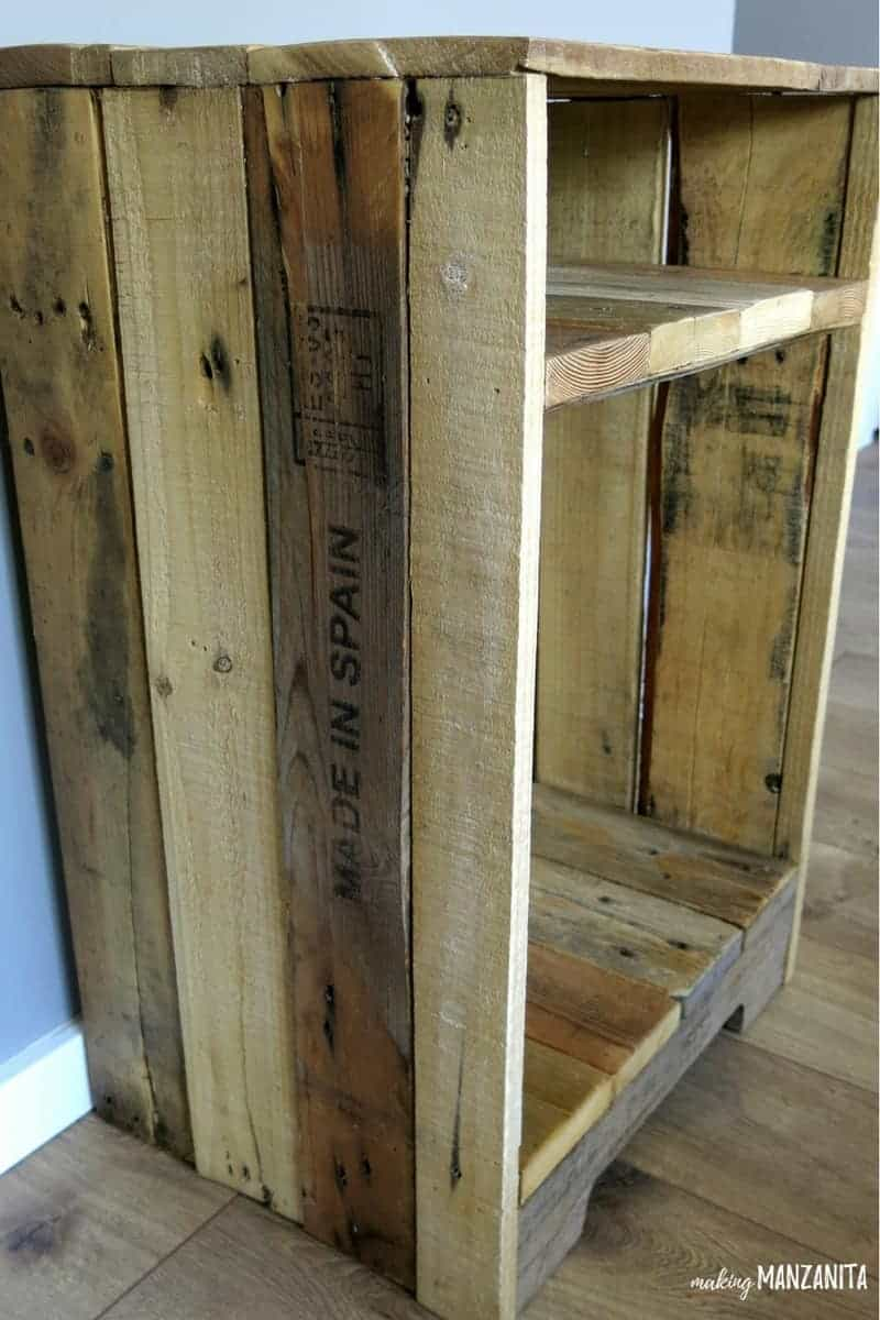Working with pallet wood adds a tons of character to your home decor. I love the stamped pieces and variations in color.