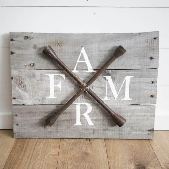 How To Make DIY Farmhouse Sign