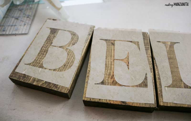 Believe Christmas sign DIY