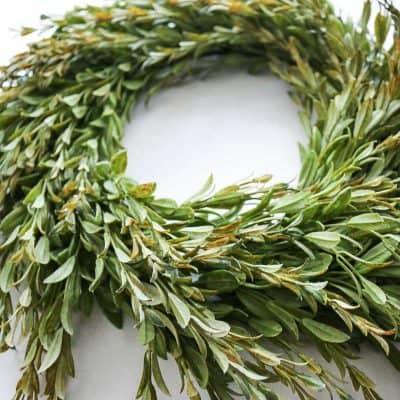 Easy DIY Farmhouse Style Wreath