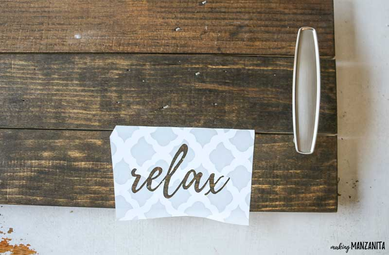 "Make your own ""relax"" stencil for DIY bath tub tray"