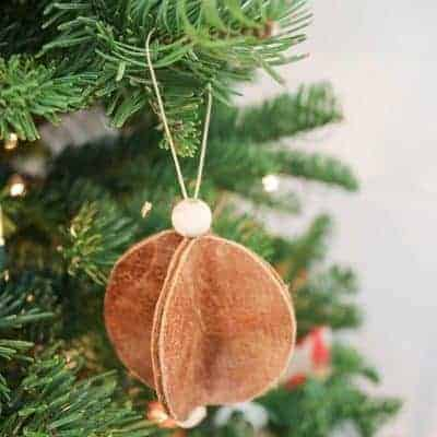 Easy Leather Christmas Ornaments – Circles with Wood Beads