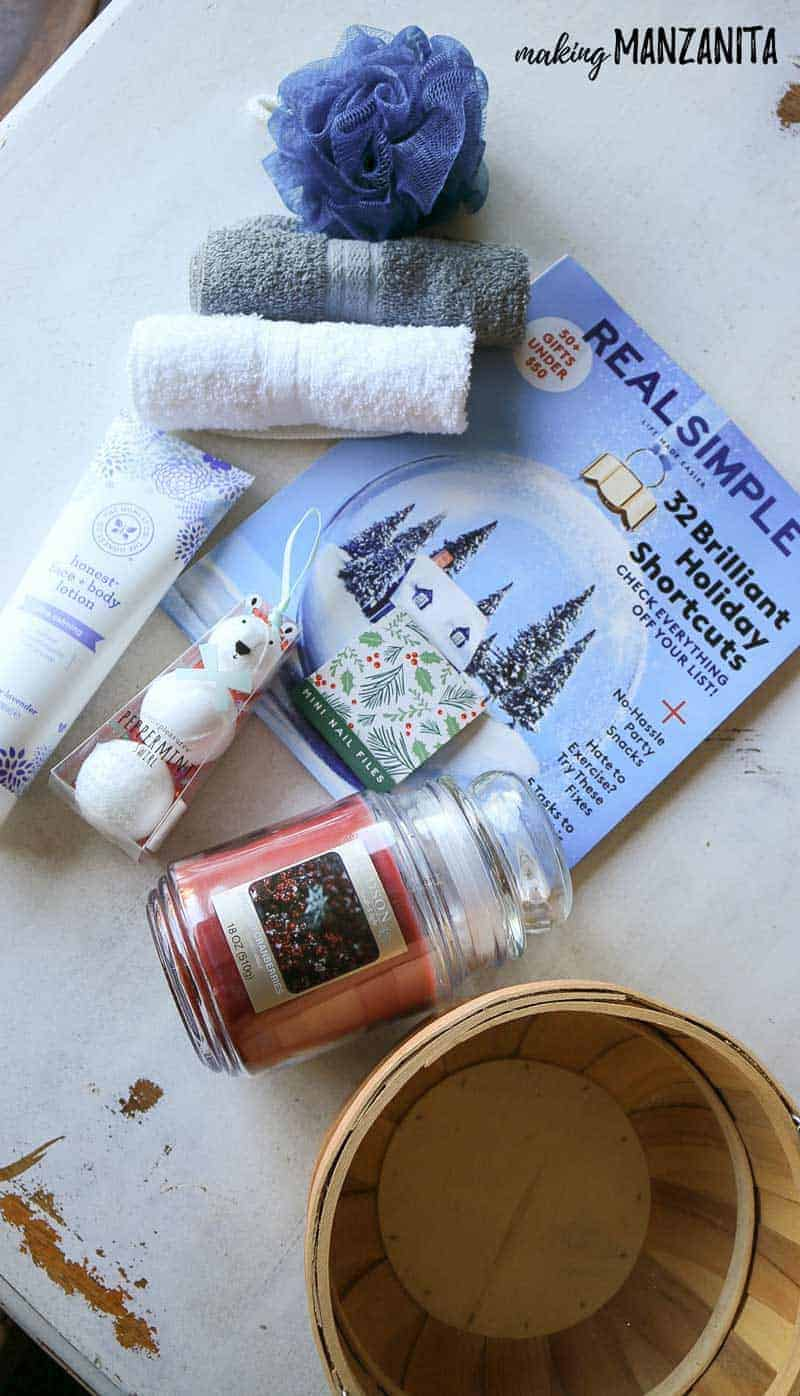 What to put in a relaxing bath gift basket | Make your own spa day kit for a unique Christmas gift for her!
