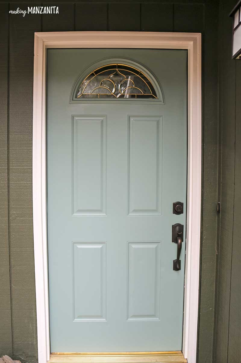 How to paint your front door | What are the best colors for a front door | Tips on choosing your front door paint color | Greenish blue front door paint color | Behr In The Moment | Color Trends 2018