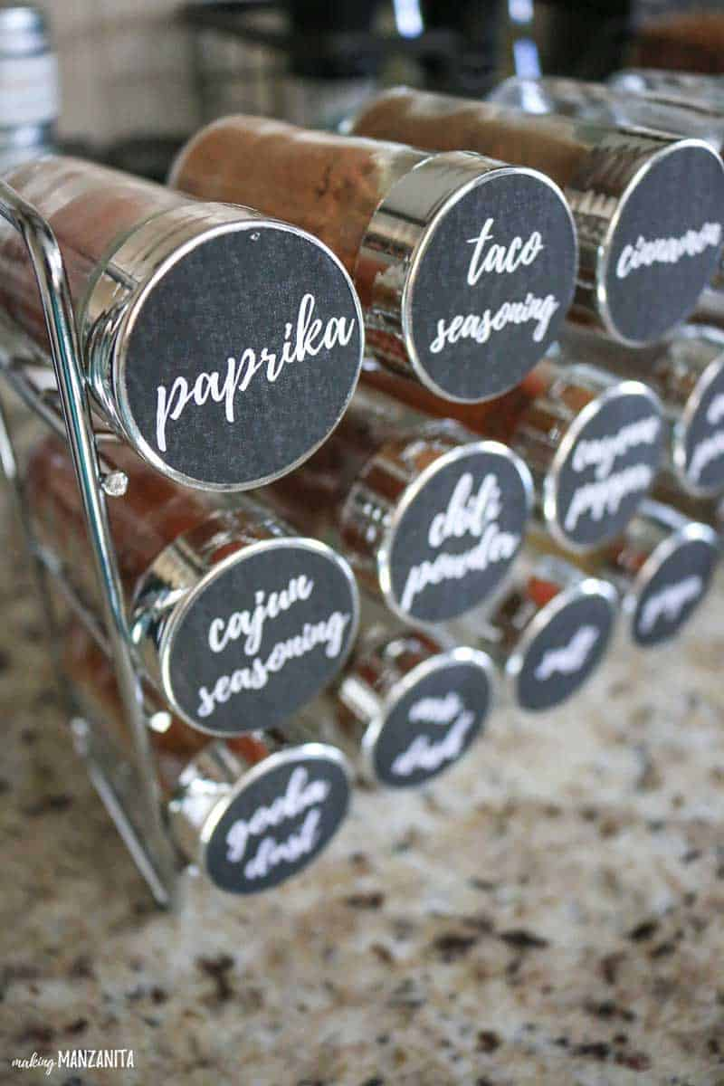 Free printable spice jar sticker labels | Print and cut files for Silhouette Cameo | Make your own spice jar labels to organize your spices | DIY Spice cabinet organization for your kitchen #ad