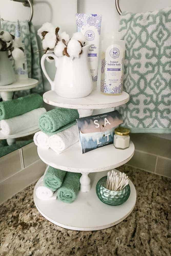 How to make a DIY farmhouse style wood tray with 3 tiers for bathroom storage! Love all of these rustic farmhouse ideas for your home