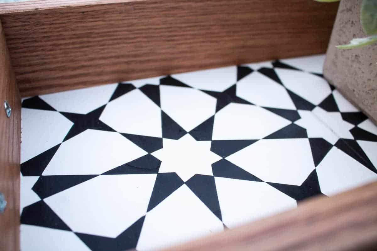 Close up view to the diy serving tray cement tile