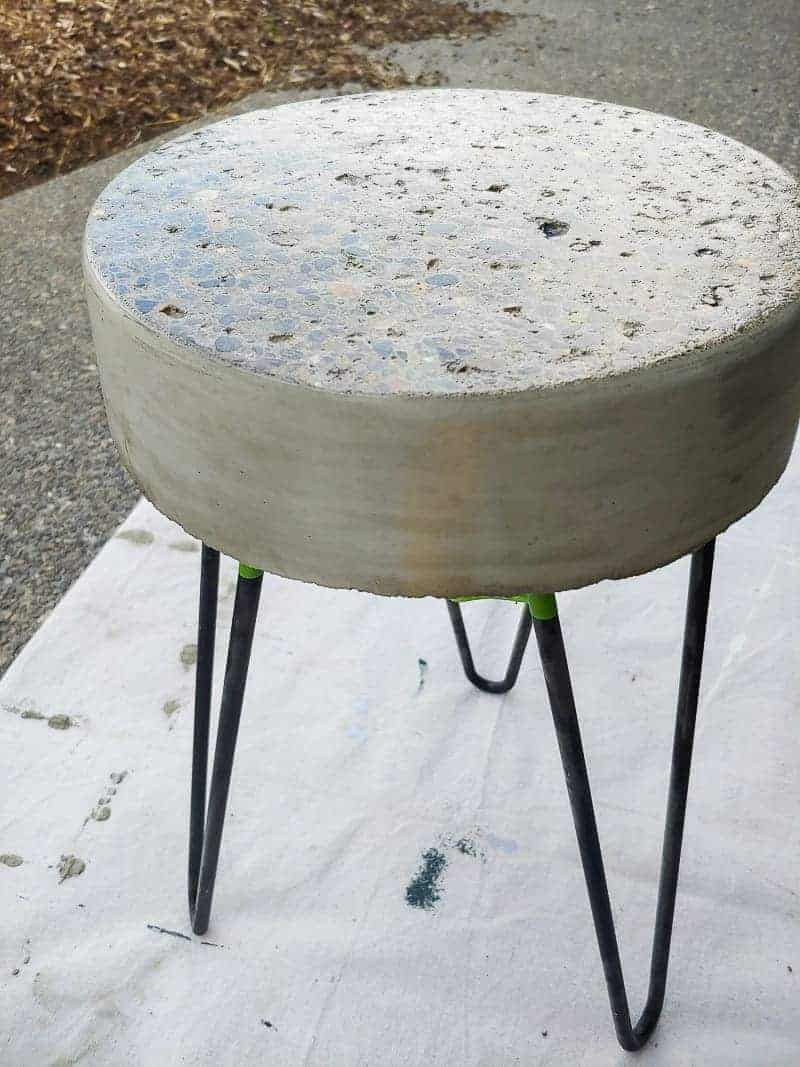 Closer view of the sealed concrete side table