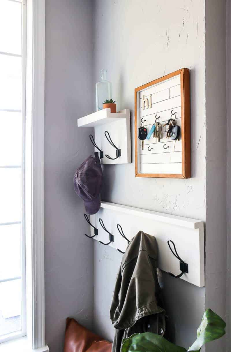 Key holder, coat racks image for the entryway design