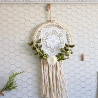 Farmhouse Style Dream Catcher from Making It in The Mountains