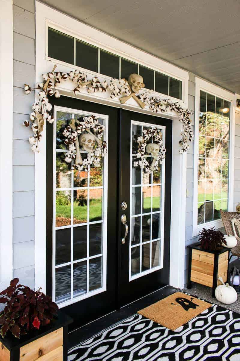 Halloween garland and wreath with skull for the Halloween Porch Makeover