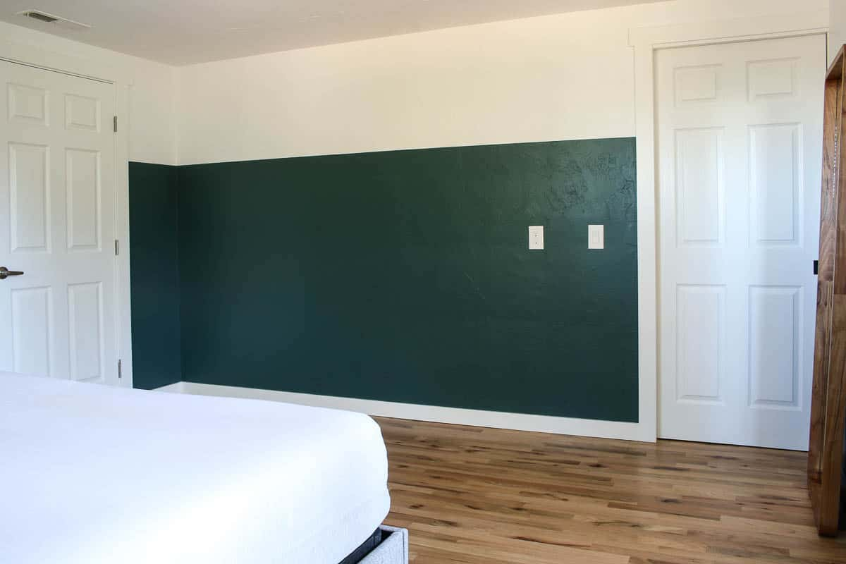 How to draw straight lines to create two tone walls on the bedroom outcome with green on the bottom and white on the top