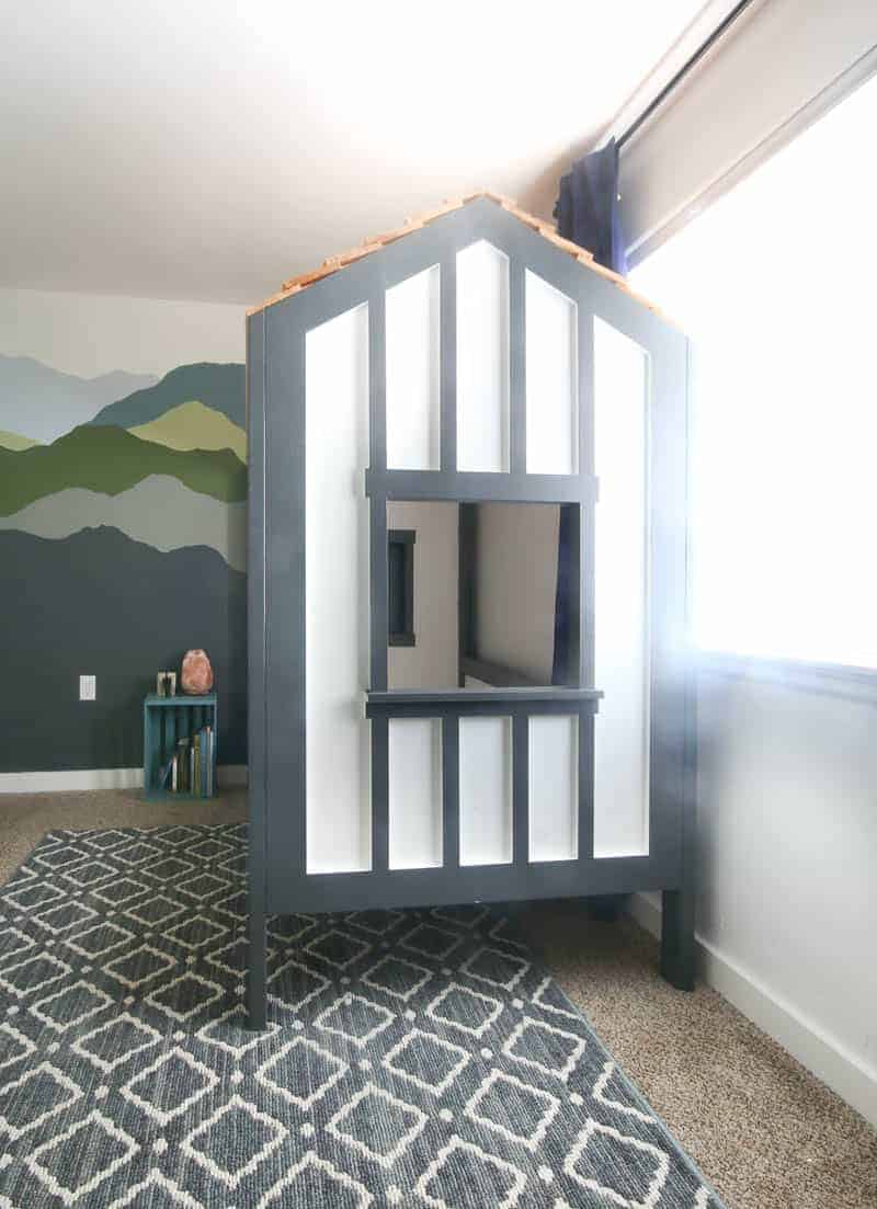 The end view of our DIY children's cabin bed