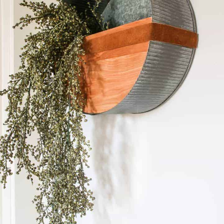 How To Make A DIY Round Wall Planter
