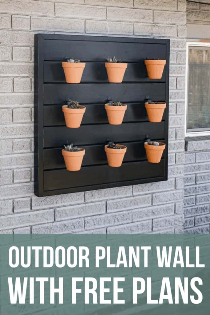 Free woodworking plans! How to make an outdoor hanging planter wall with easy woodworking plans.