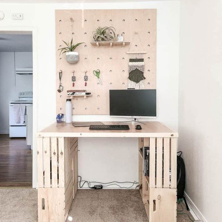 How To Build A Easy DIY Wood Crate Desk