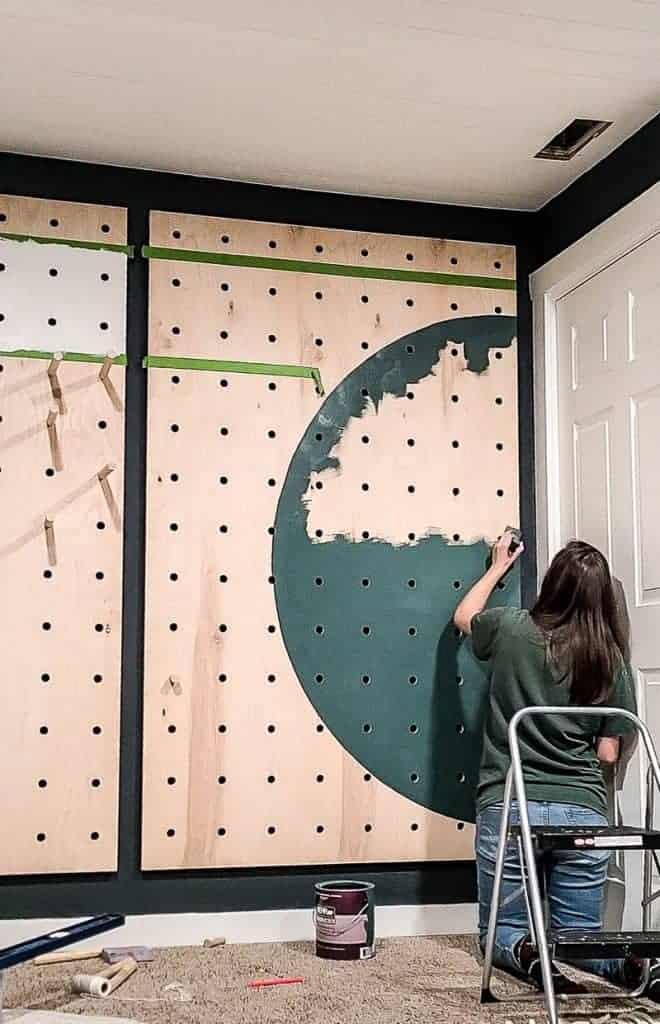 Painting semi circle design on plywood