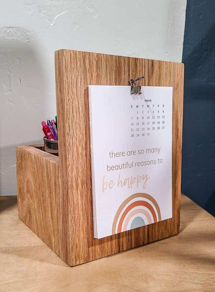 shows a deck calendar/ pencil holder
