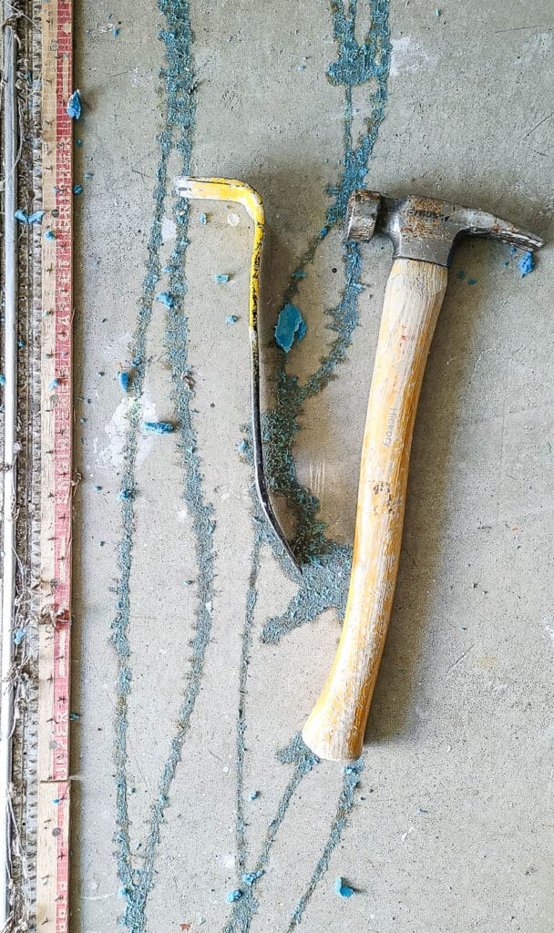 hammer and pry bar side by side