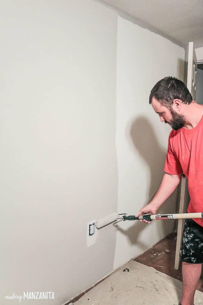 If you're a painting newbie, you'll love the easy to follow tips for painting walls for beginners.