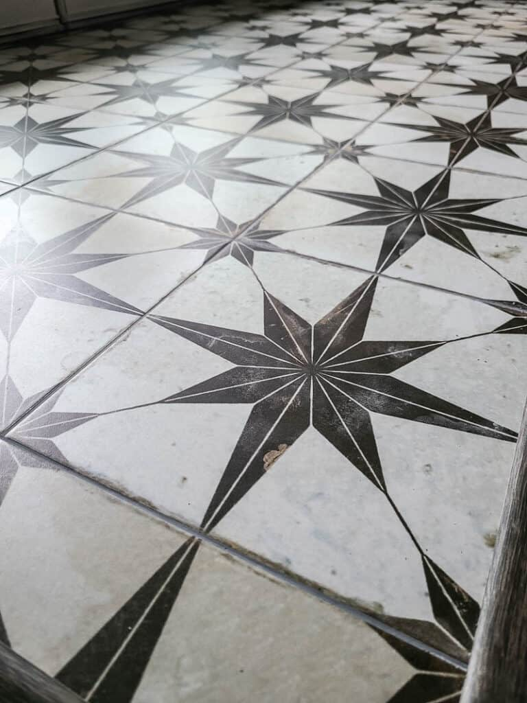 Close up of the Kings Star tile by Merola tiel